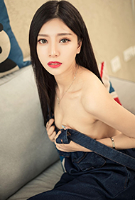 清纯学生妹COCO室内高清性感写真集