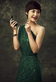 演员杨雪晚会礼服性感迷人写真