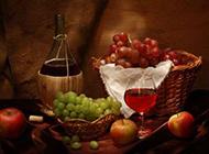 新鲜的葡萄与葡萄酒图片