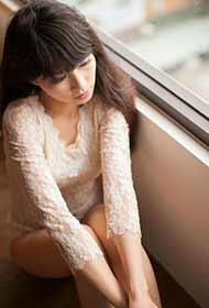 美女性感蕾丝裙唯美室内写真