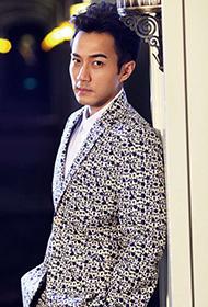 香港演员刘恺威变身帅气绅士显贵族范
