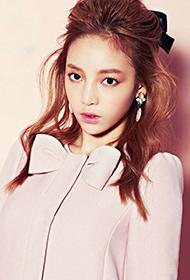 韩国女星具荷拉甜美诱惑图片