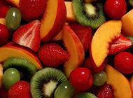 绿色水果甜蜜猕猴桃可爱高清壁纸