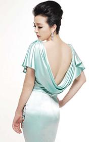 女演员黄小蕾性感旗袍写真