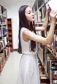迪丽热巴校园写真 青春唯美可人