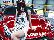 火辣车模薛莹莹活力展示红色个性超跑