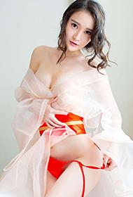 爱尤物模特潇潇上演透明薄纱诱惑