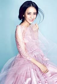 演员佟丽娅粉嫩公主写真 薄纱长裙优雅娇媚