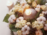 情人节花球中的蜡烛图片