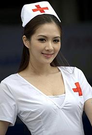 赛车美女惹火性感护士装来袭