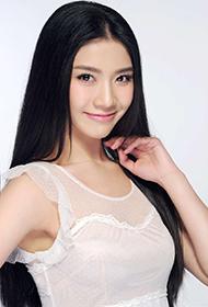 中国新生代女演员马恺曼纯白写真