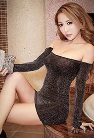 时尚美女露肩连衣裙性感拍摄