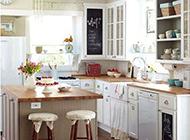 开放式欧式温馨厨房装修效果图欣赏