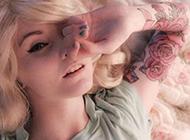 欧美女个性纹身图案花臂时尚妖娆