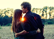 阳光情侣精美幸福图片