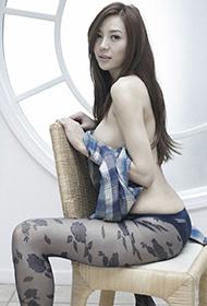 中国模特周韦彤妖娆惊艳写真