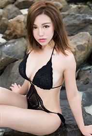 波萝社粉嫩嫩的大胆美女刘娅希高清写真