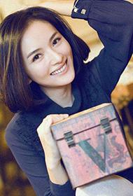 演员李依玲清新素颜妆图片