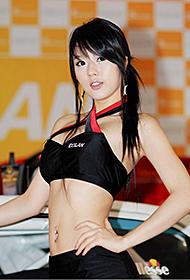 韩国车模徐柳真靓丽迷人组图
