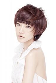 内地女演员邓家佳秀香肩美背高清写真