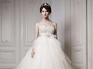 穿婚纱的唯美漂亮女生图片