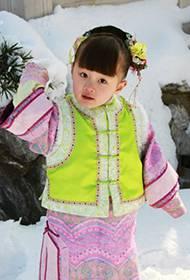 童星纪姿含《甄嬛传》小公主剧照