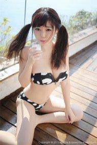 娇俏美女刘飞儿户外内衣写真
