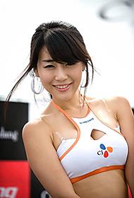 秀丽端庄的韩国车模美女