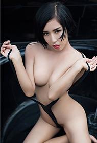 尤果网性感女神娜依灵儿大胆魅惑写真