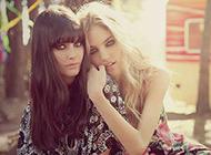 可爱迷人欧美双胞胎女生图片