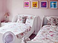 照片墙卧室床头设计效果图