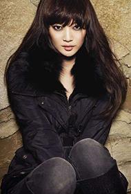韩国气质女星申敏儿演绎轻熟风