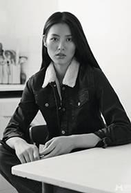 模特刘雯黑白照片 潮流搭配引人效仿
