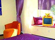 飘窗创意时尚卧室装修效果图