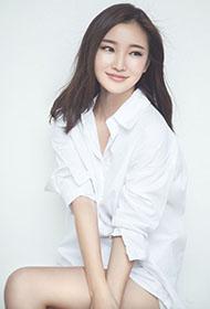 时尚模特张念恩白色衬衫性感写真