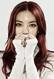 韩国当红美女歌手金允智冷艳迷人写真