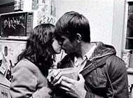 黑白图片欧美情侣接吻