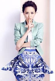 佟丽娅俏皮个人写真 化身优雅时尚丽人
