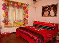 打造喜庆甜蜜婚房卧室布置效果图赏析