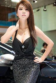 广州车展车模尽显成熟魅力图片