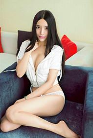 极品御姐沙发撩人姿态魅惑写真集