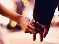 手牵手温馨甜蜜情侣图片