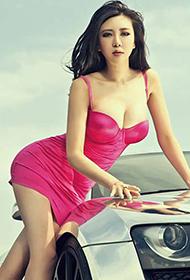 长腿嫩模豪车性感紧身连衣裙写真