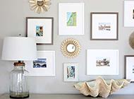 玄关处纯白色背景墙装饰品挂件欣赏