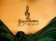 性感腰部音乐音符浪漫纹身图片