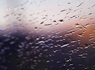 玻璃上的雾滴桌面背景图片大全