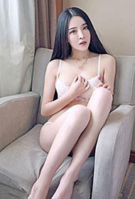 美女白嫩肌肤诱人曼妙身姿写真