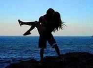 非主流甜蜜接吻情侣图片