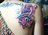 后背纹身小清新女生纹身秀