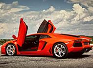 高性能的橙色兰博基尼跑车图片
